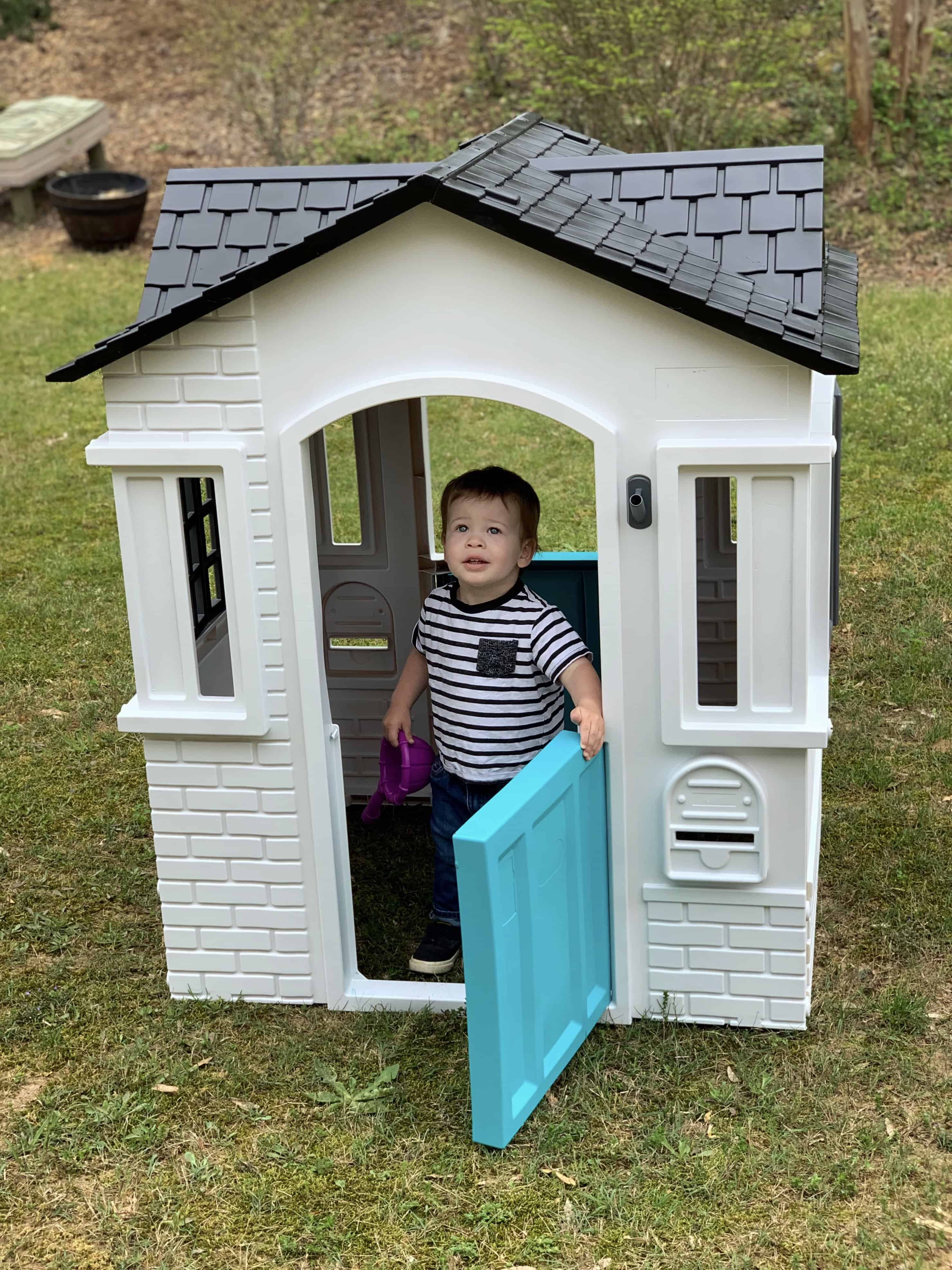 DIY Plastic Playhouse Makeover
