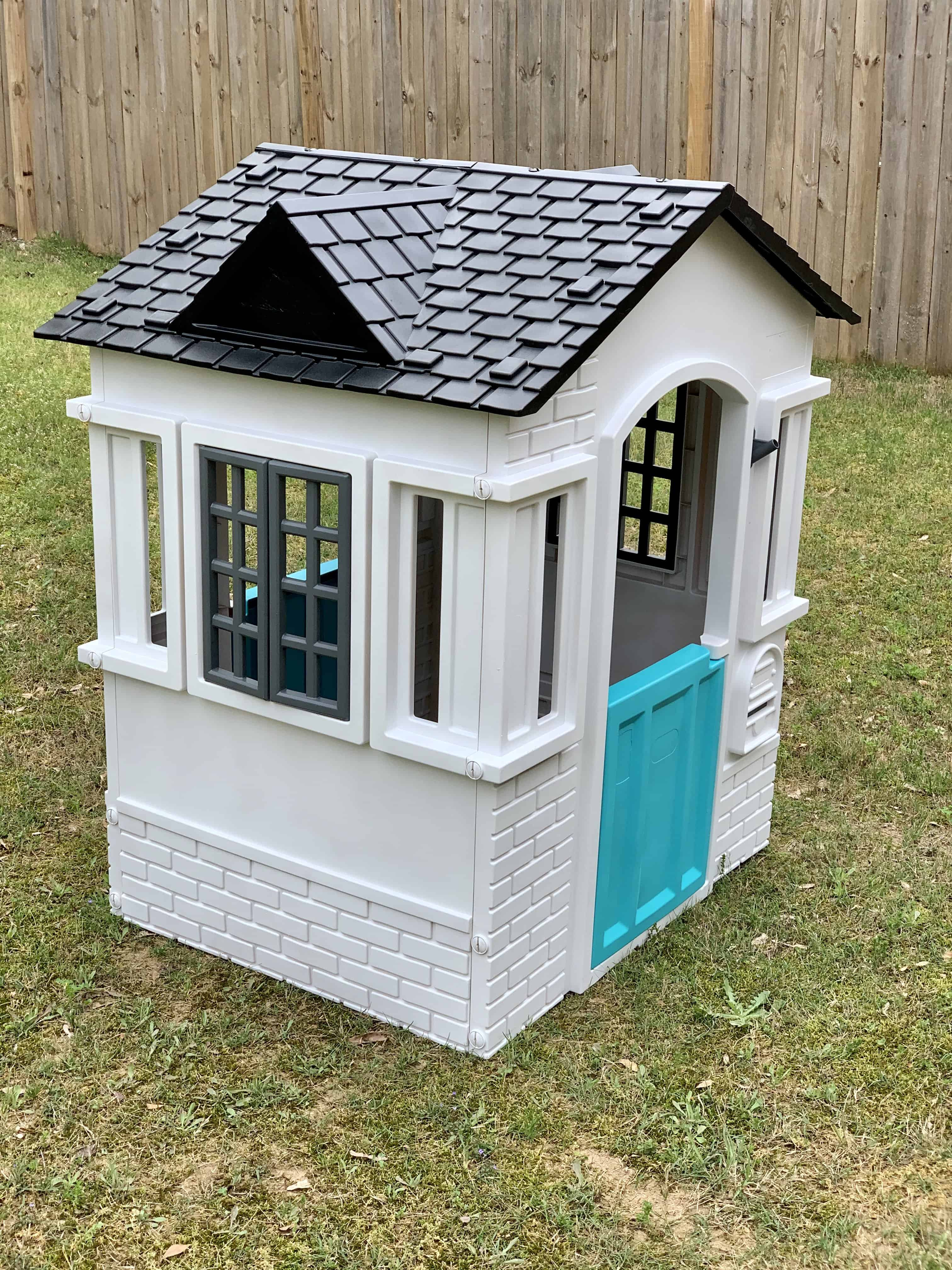 How to Makeover a Plastic Playhouse