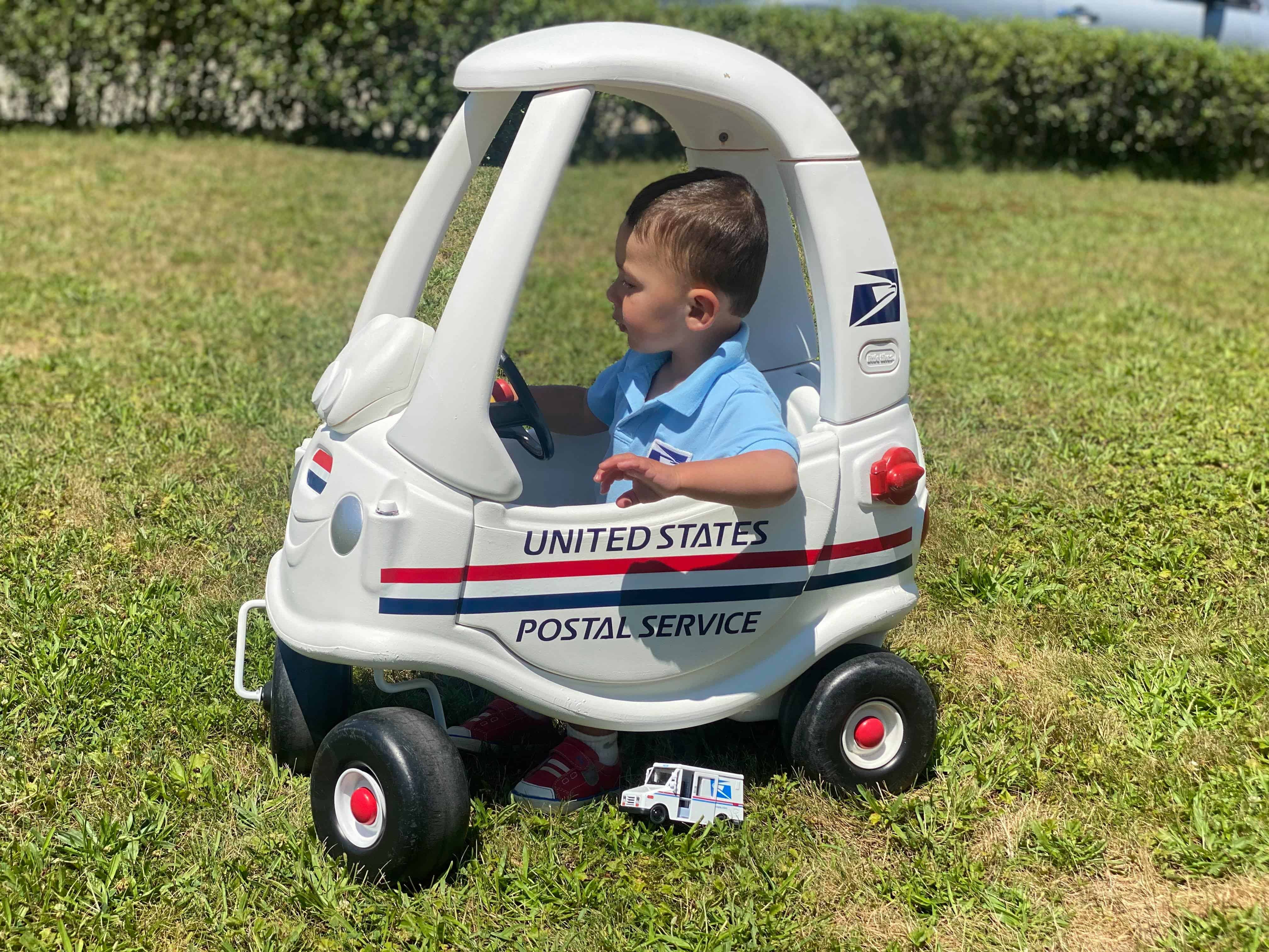 Cozy Coupe USPS Mail Truck Makeover